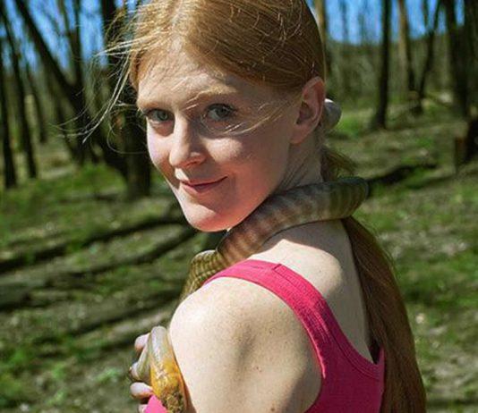 Georgina attrapeuse de serpents