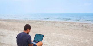 Une plage pour bureau