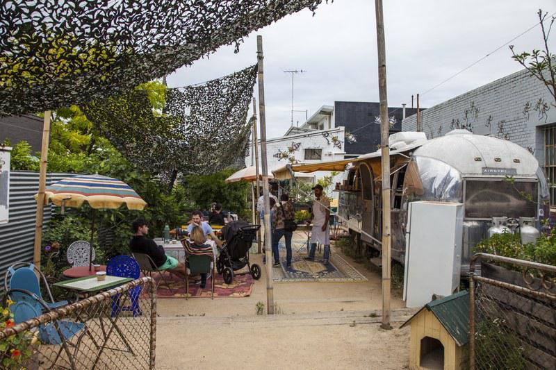 Terrasse du Grub Food Van