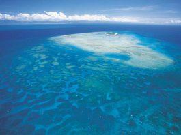Des milliers d'atolls, d'iles et de Cay ponctuent la Grande Barrière