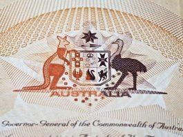 Passeport australien et emblème du pays