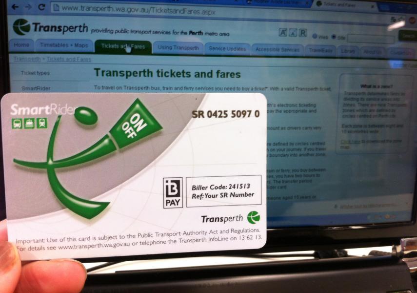 La carte de transport SmartRider permet d'économiser 15% sur le tarif des billets