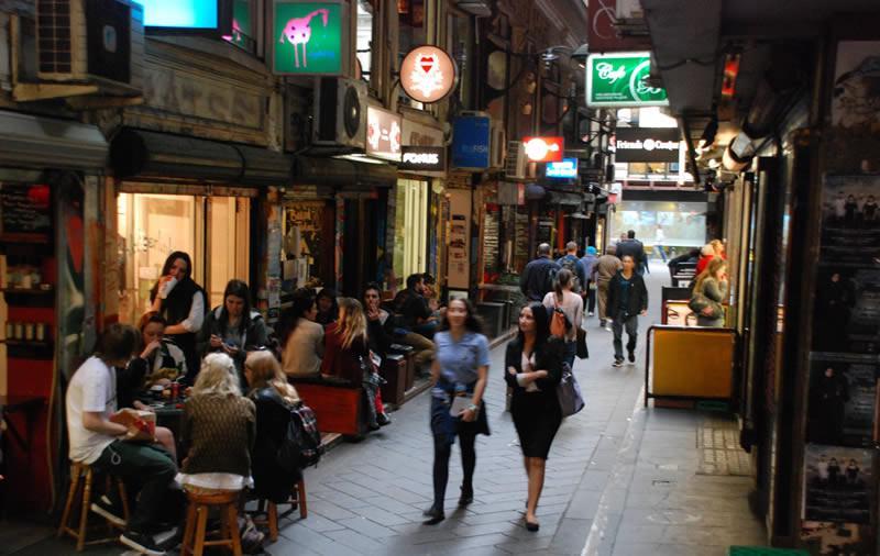 Bars et petits restaurant des lanes de Melbourne © Alicia MUNOZ
