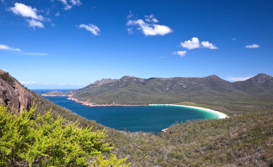 Wineglass Bay beach Tasmanie