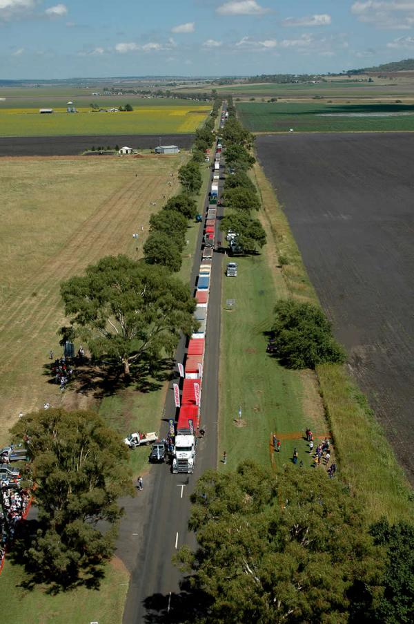 Road Train : Tentative de record - Photo John Denman