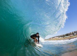 """Surfer dans un """"tube"""""""