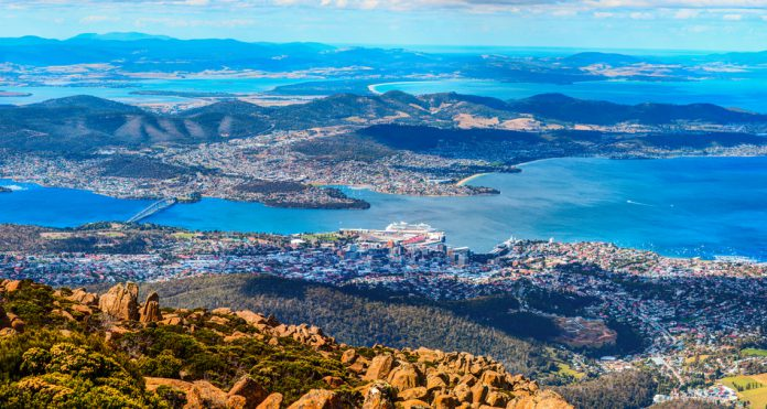 Hobart City et Mount Wellington -Tasmanie, Australie.